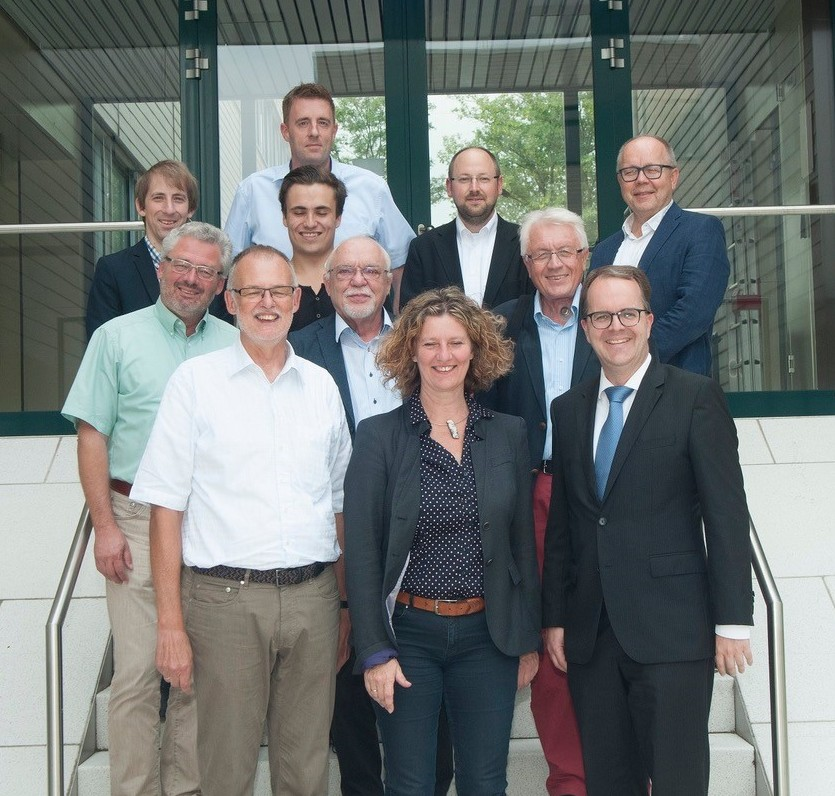 Gertrud mit Markus Rinderspacher bei Besuch beim WIWeB